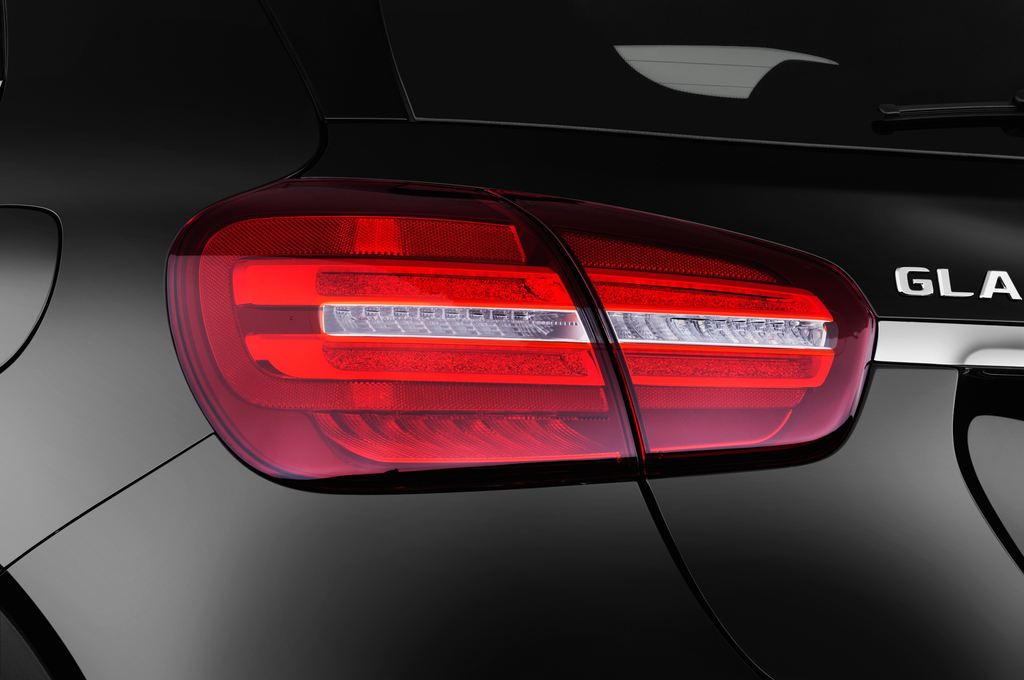 Mercedes-Benz GLA AMG Line SUV (2013 - heute) 5 Türen Rücklicht