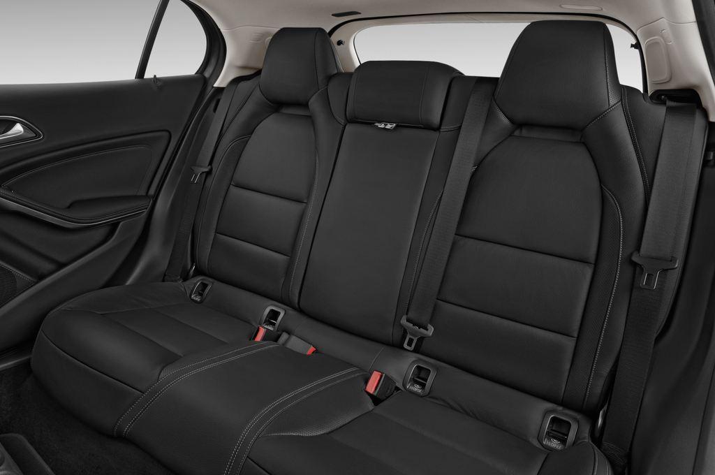 Mercedes-Benz GLA AMG SUV (2013 - heute) 5 Türen Rücksitze