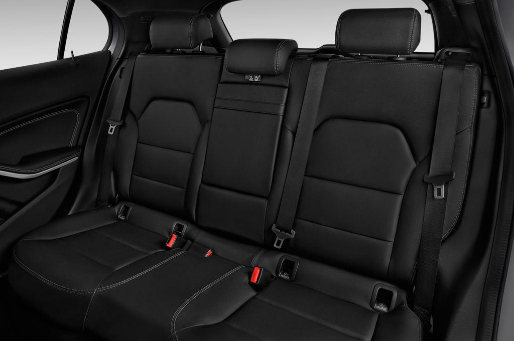 Mercedes-Benz GLA - SUV (2013 - heute) 5 Türen Rücksitze