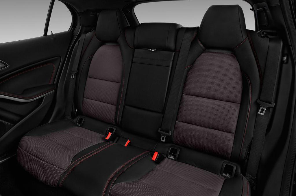 Mercedes-Benz GLA AMG 45 SUV (2013 - heute) 5 Türen Rücksitze