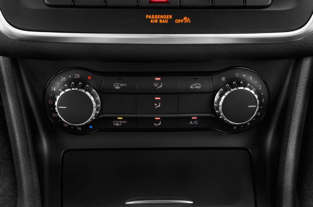 Mercedes-Benz GLA STYLE SUV (2013 - heute) 5 Türen Temperatur und Klimaanlage