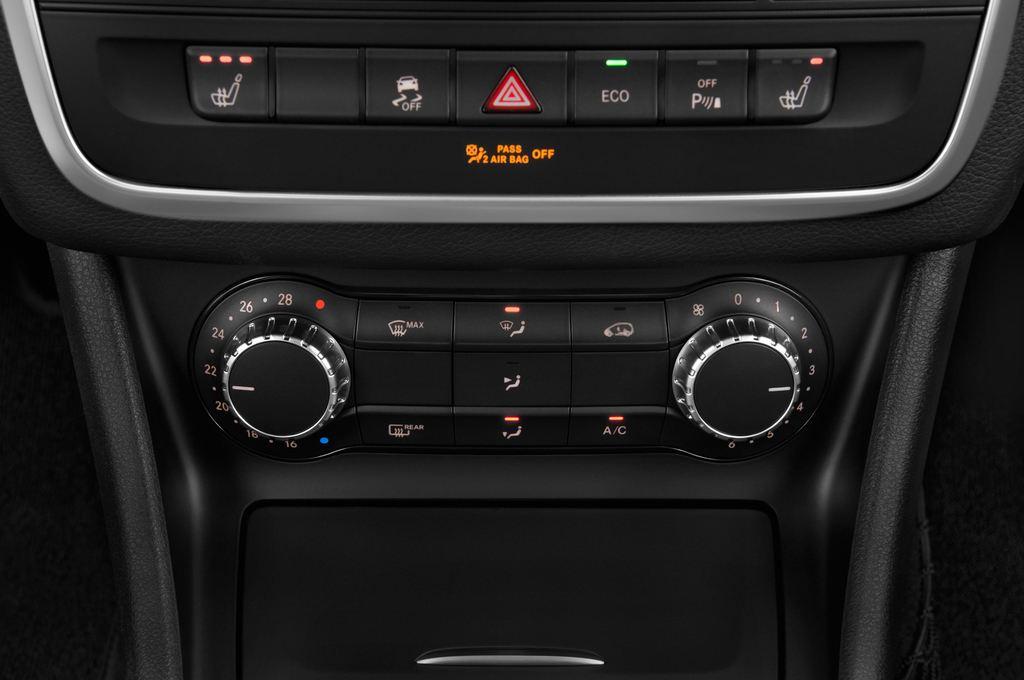Mercedes-Benz GLA AMG SUV (2013 - heute) 5 Türen Temperatur und Klimaanlage
