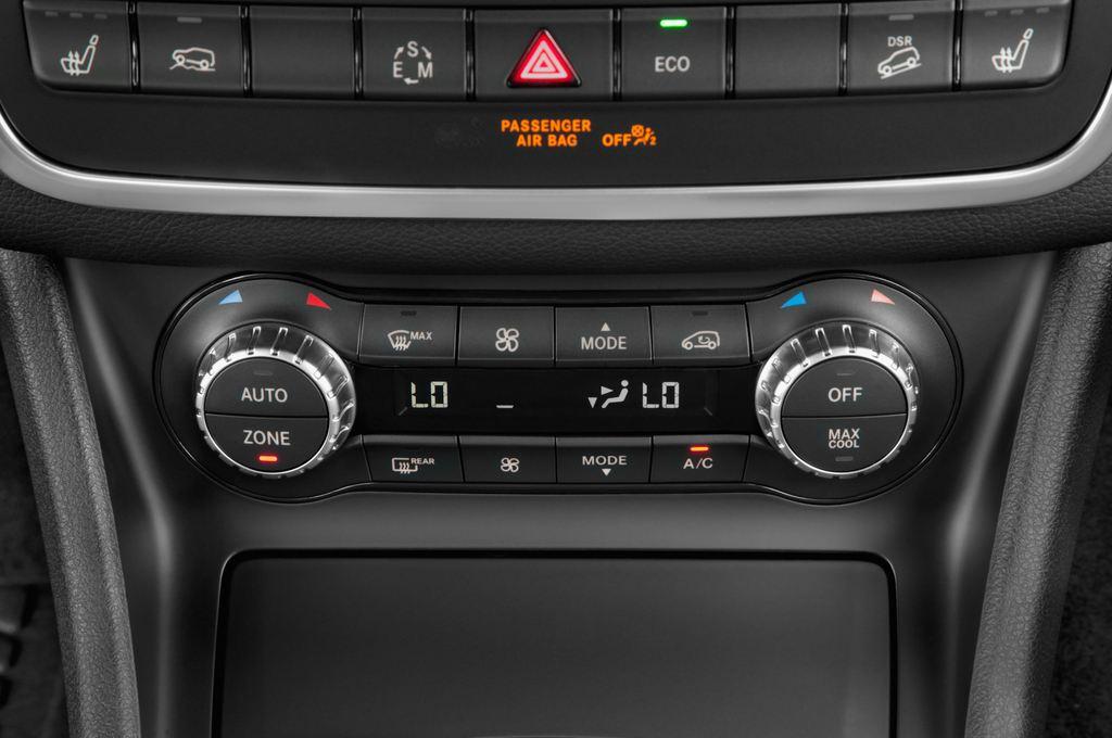 Mercedes-Benz GLA Urban SUV (2013 - heute) 5 Türen Temperatur und Klimaanlage