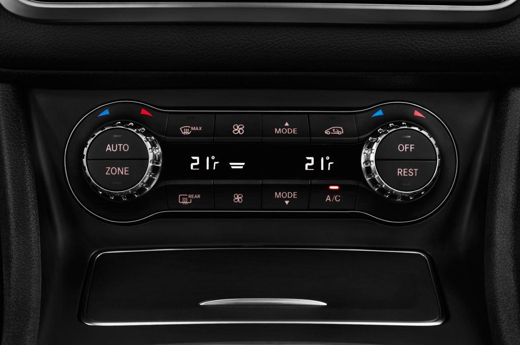Mercedes-Benz GLA AMG Line SUV (2013 - heute) 5 Türen Temperatur und Klimaanlage