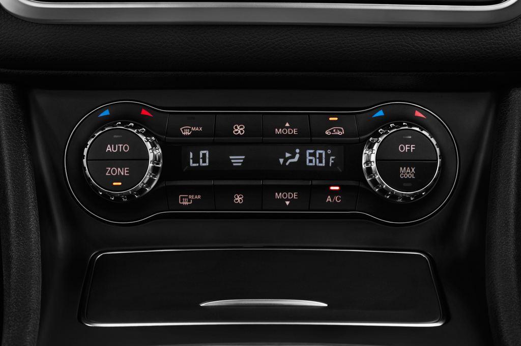 Mercedes-Benz GLA AMG 45 SUV (2013 - heute) 5 Türen Temperatur und Klimaanlage