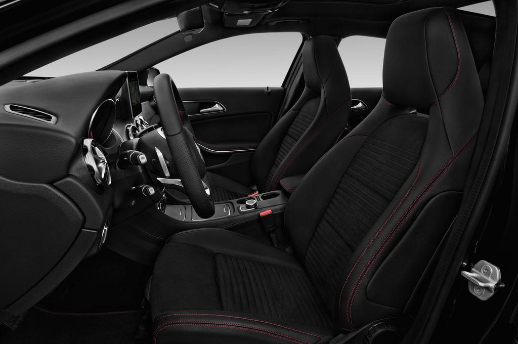 Mercedes-Benz GLA AMG Line SUV (2013 - heute) 5 Türen Vordersitze