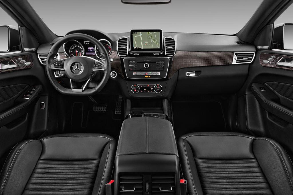 Mercedes-Benz GLE AMG Line SUV (2015 - heute) 5 Türen Cockpit und Innenraum