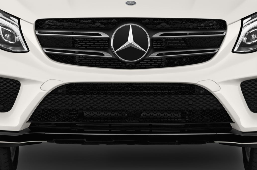 Mercedes-Benz GLE AMG Line SUV (2015 - heute) 5 Türen Kühlergrill und Scheinwerfer