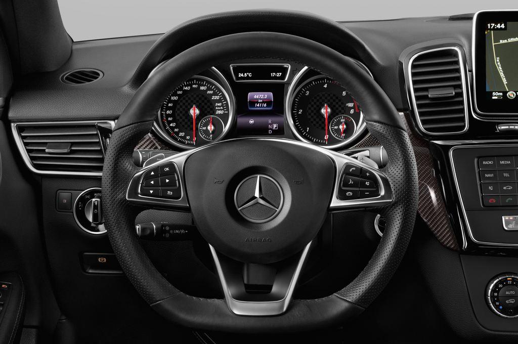 Mercedes-Benz GLE AMG Line SUV (2015 - heute) 5 Türen Lenkrad