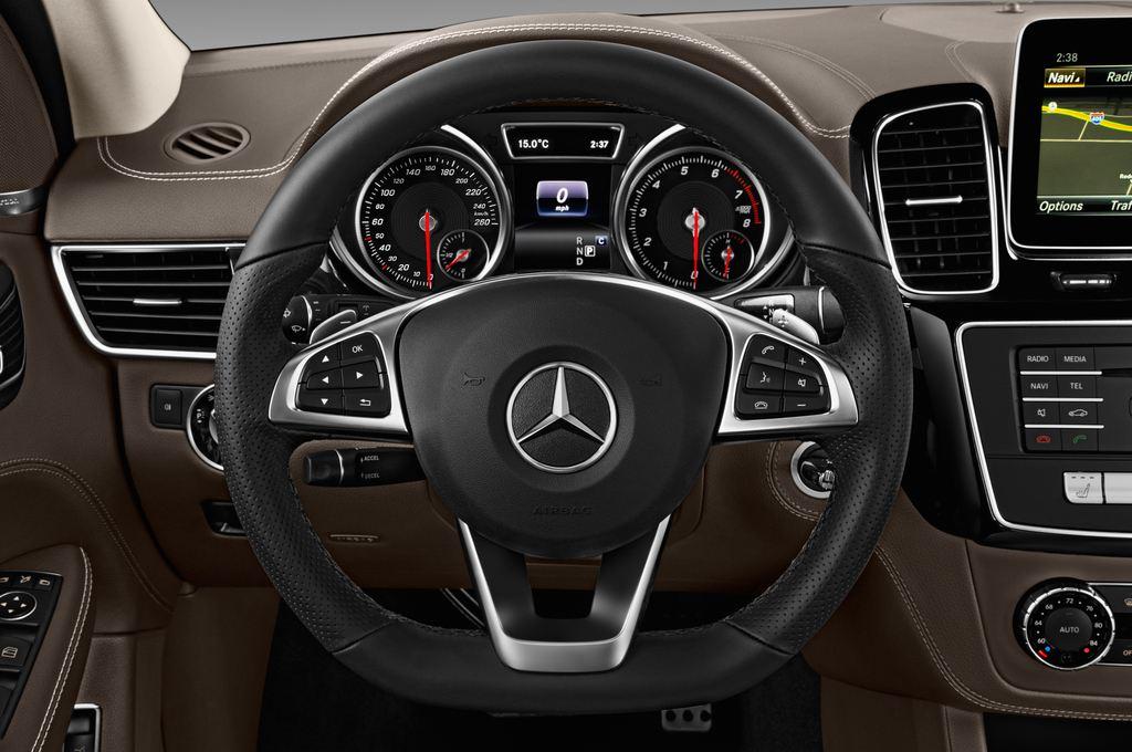 Mercedes-Benz GLE AMG 43 SUV (2015 - heute) 5 Türen Lenkrad