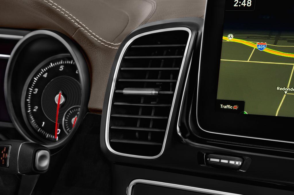 Mercedes-Benz GLE AMG 43 SUV (2015 - heute) 5 Türen Lüftung