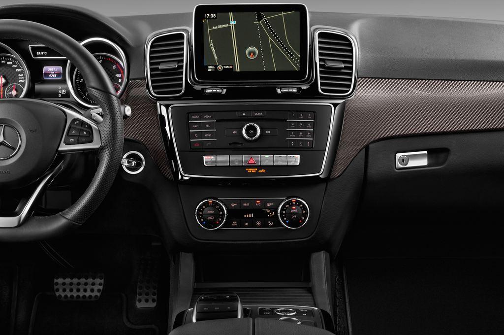 Mercedes-Benz GLE AMG Line SUV (2015 - heute) 5 Türen Mittelkonsole