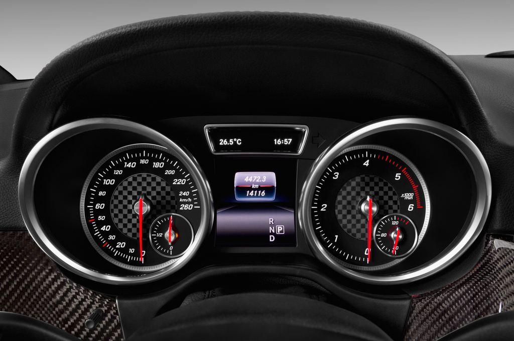 Mercedes-Benz GLE AMG Line SUV (2015 - heute) 5 Türen Tacho und Fahrerinstrumente