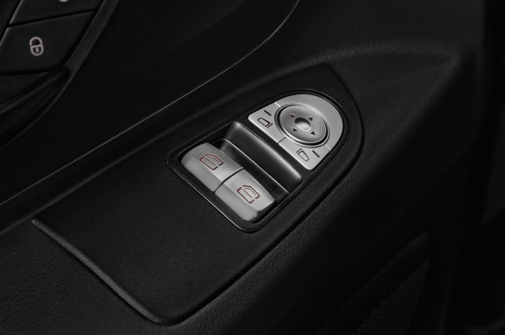 Mercedes-Benz Vito Pro Bus (2014 - heute) 4 Türen Bedienungselemente Tür