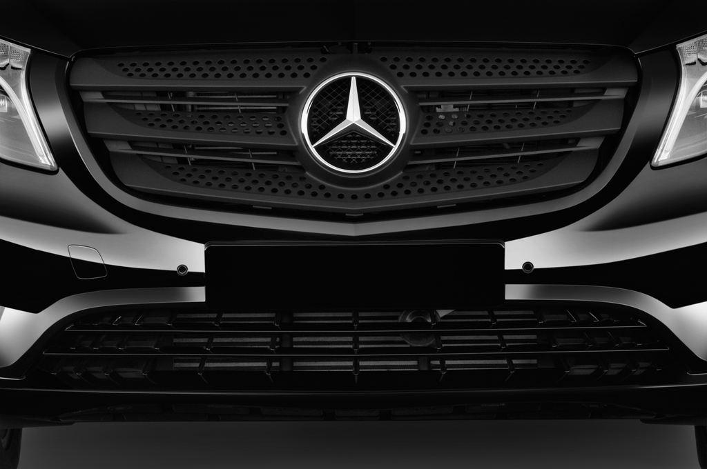 Mercedes-Benz Vito 119 Bluetec Lang Bus (2014 - heute) 5 Türen Kühlergrill und Scheinwerfer
