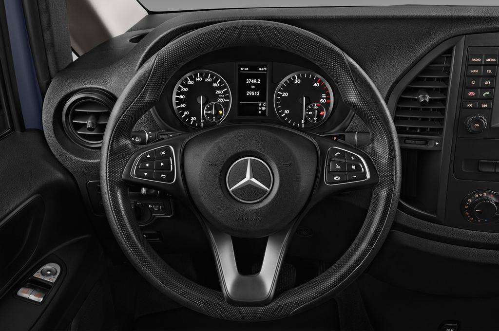 Mercedes-Benz Vito Pro Bus (2014 - heute) 4 Türen Lenkrad