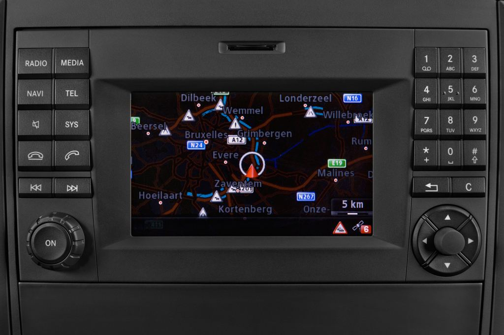 Mercedes-Benz Vito 119 Bluetec Lang Bus (2014 - heute) 5 Türen Radio und Infotainmentsystem