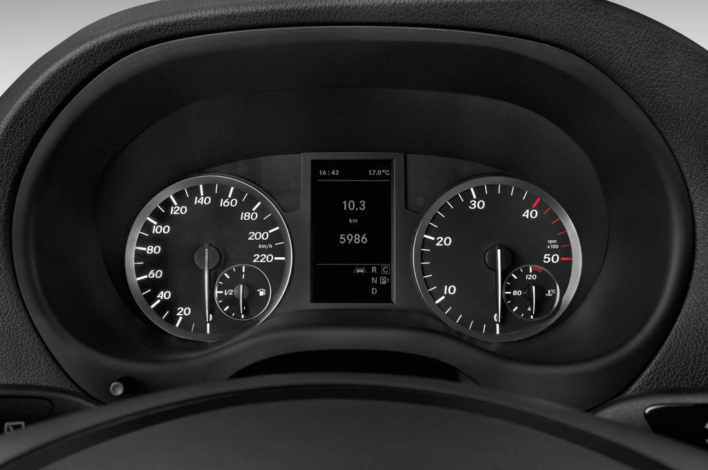 Mercedes-Benz Vito 119 Bluetec Lang Bus (2014 - heute) 5 Türen Tacho und Fahrerinstrumente