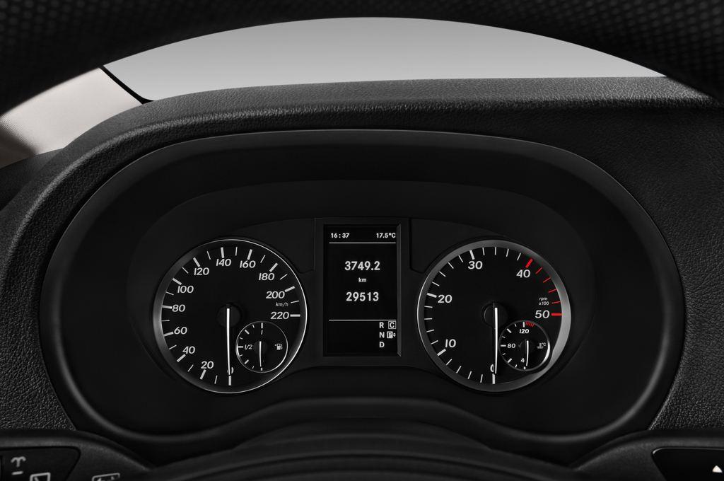 Mercedes-Benz Vito Pro Bus (2014 - heute) 4 Türen Tacho und Fahrerinstrumente
