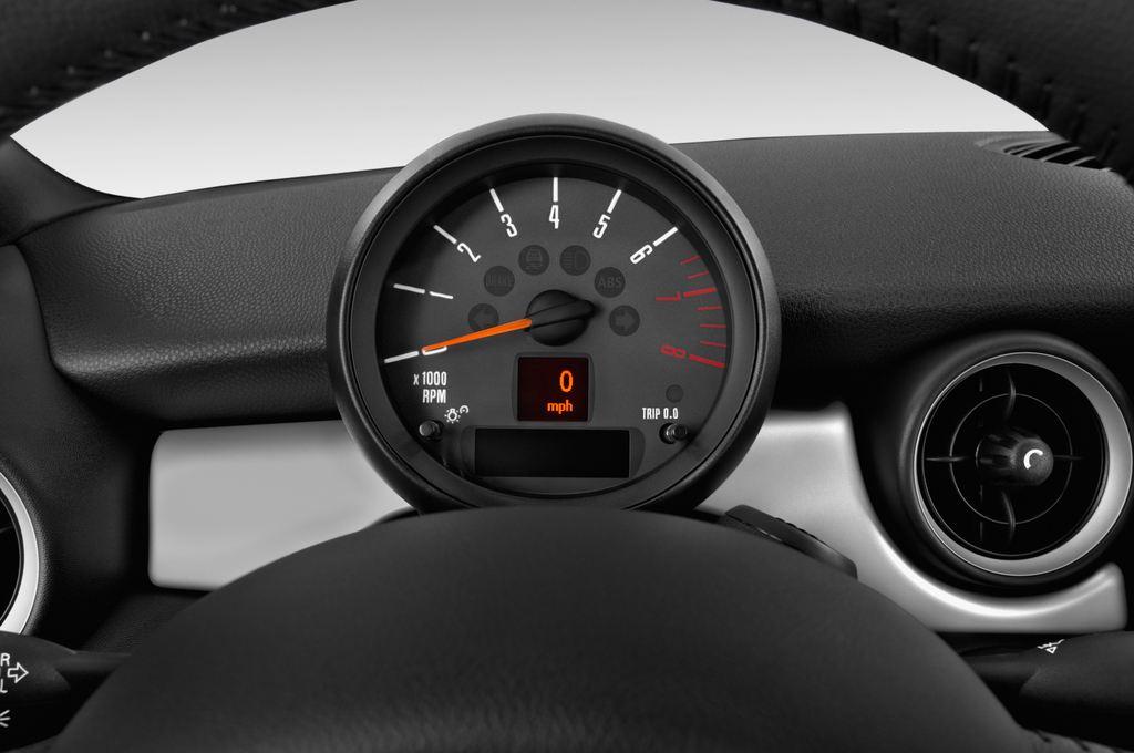 MINI Roadster Cooper Cabrio (2012 - heute) 2 Türen Tacho und Fahrerinstrumente