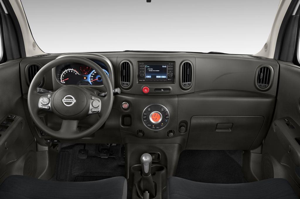 Nissan Cube Zen Van (2008 - 2011) 5 Türen Cockpit und Innenraum