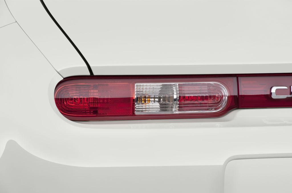 Nissan Cube Zen Van (2008 - 2011) 5 Türen Rücklicht