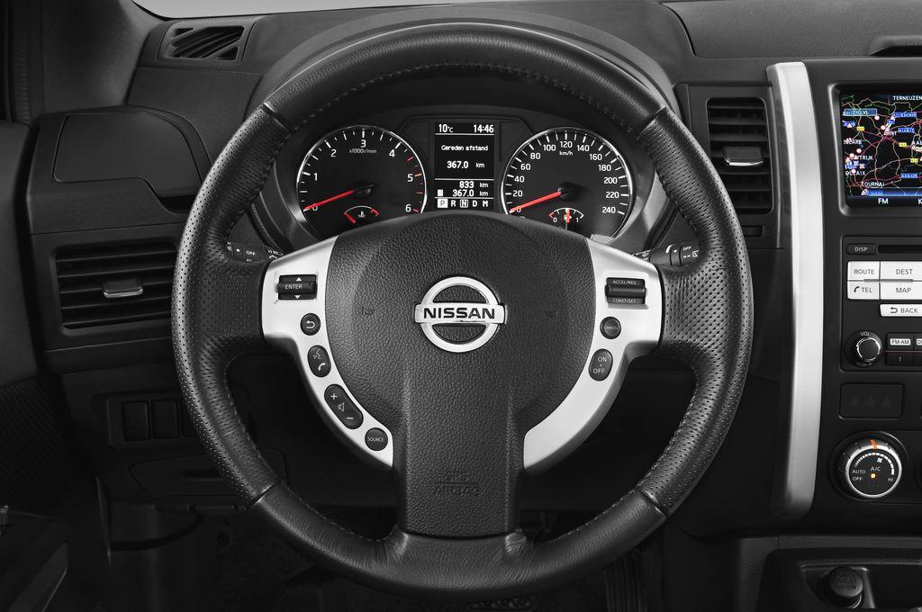 Nissan X-Trail LE SUV (2007 - 2014) 5 Türen Lenkrad