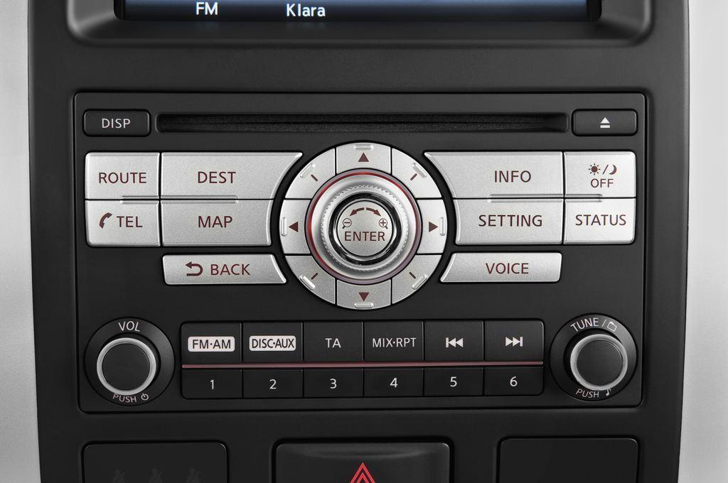 Nissan X-Trail LE SUV (2007 - 2014) 5 Türen Radio und Infotainmentsystem
