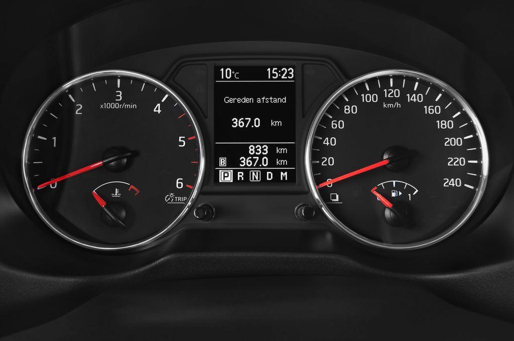 Nissan X-Trail LE SUV (2007 - 2014) 5 Türen Tacho und Fahrerinstrumente