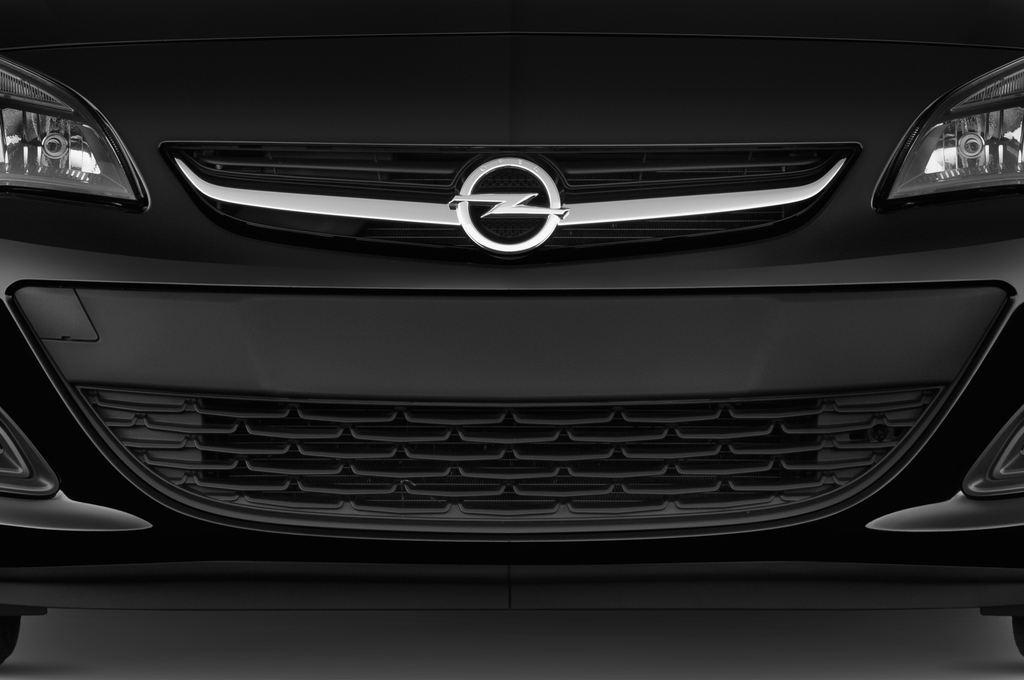 Opel Astra Style Kombi (2009 - 2015) 5 Türen Kühlergrill und Scheinwerfer