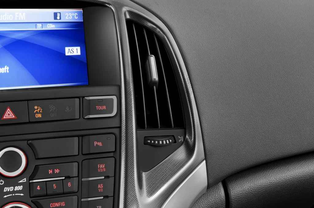 Opel Astra Sport Kombi (2009 - 2015) 5 Türen Lüftung