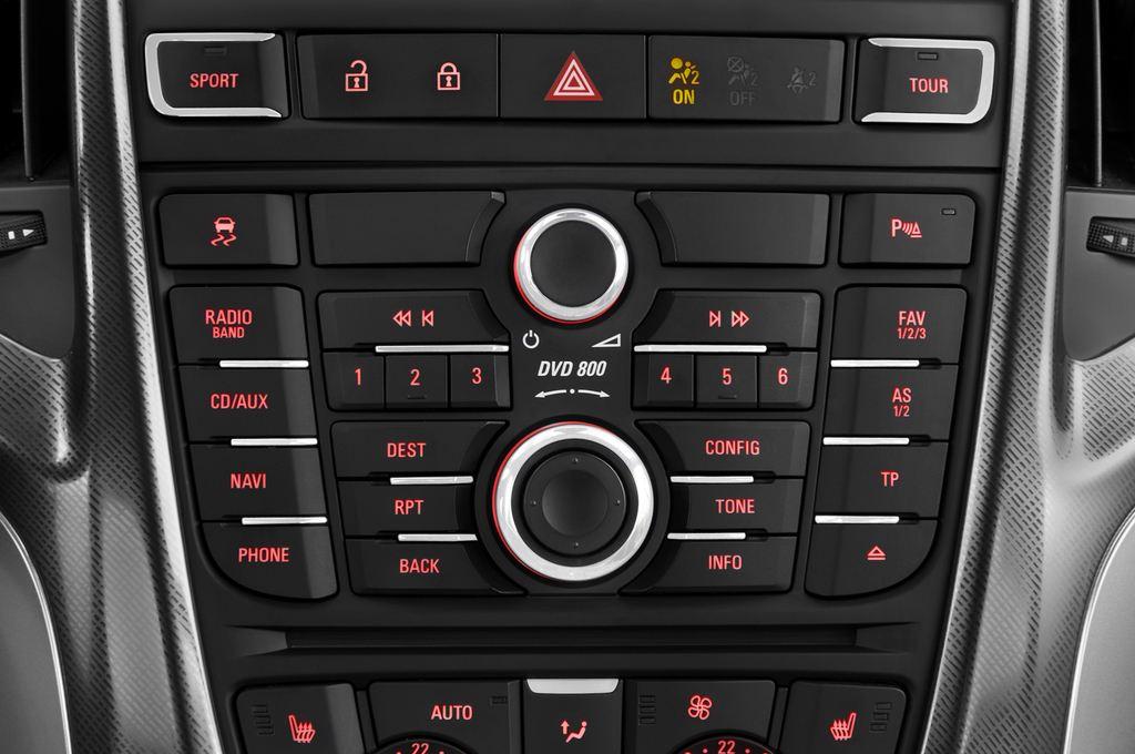 Opel Astra Sport Kombi (2009 - 2015) 5 Türen Radio und Infotainmentsystem
