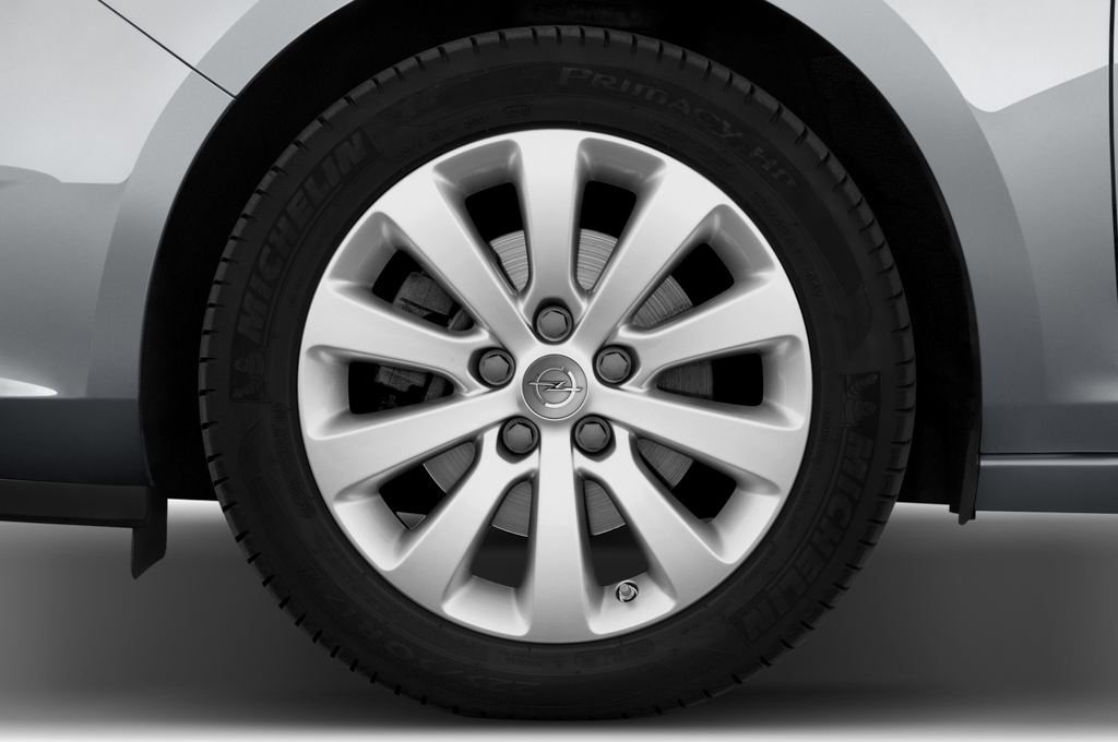 Opel Astra Sport Kombi (2009 - 2015) 5 Türen Reifen und Felge