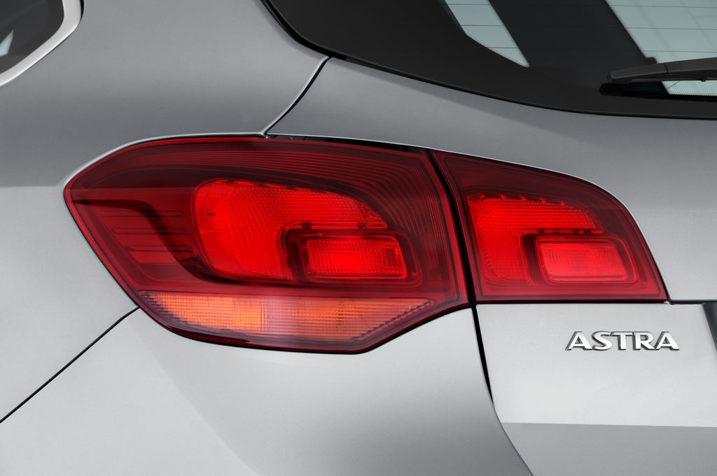 Opel Astra Sport Kombi (2009 - 2015) 5 Türen Rücklicht