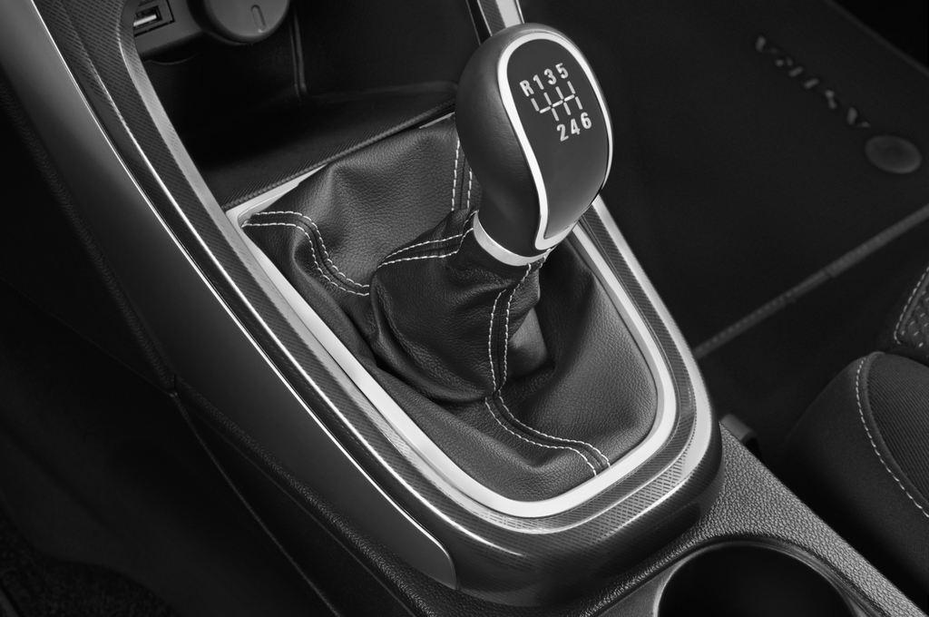 Opel Astra Sport Kombi (2009 - 2015) 5 Türen Schalthebel