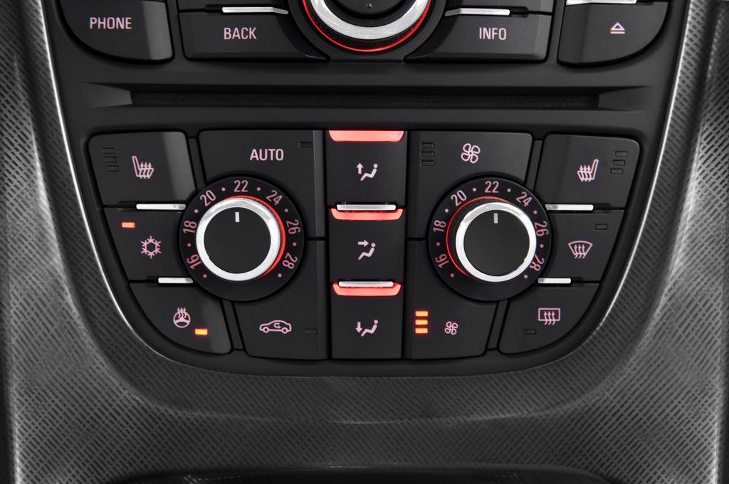 Opel Astra Sport Kombi (2009 - 2015) 5 Türen Temperatur und Klimaanlage