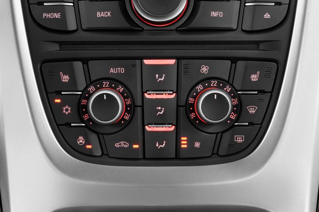 Opel Astra Style Kombi (2009 - 2015) 5 Türen Temperatur und Klimaanlage