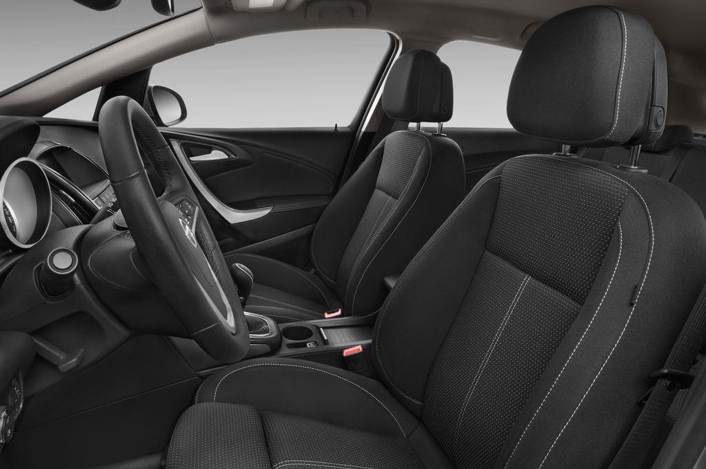 Opel Astra Sport Kombi (2009 - 2015) 5 Türen Vordersitze