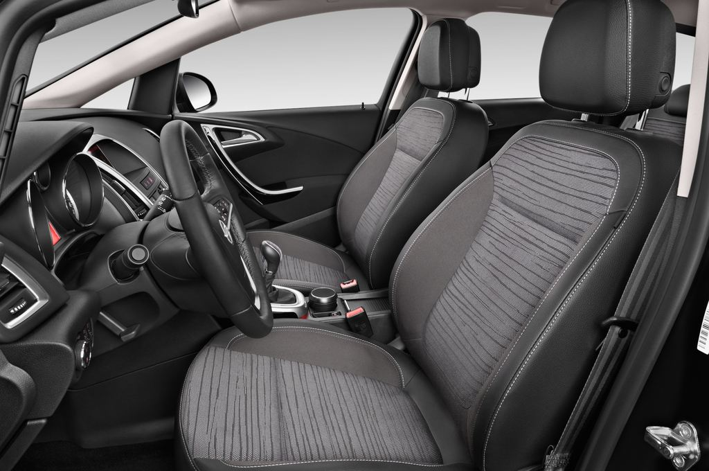 Opel Astra Style Kombi (2009 - 2015) 5 Türen Vordersitze