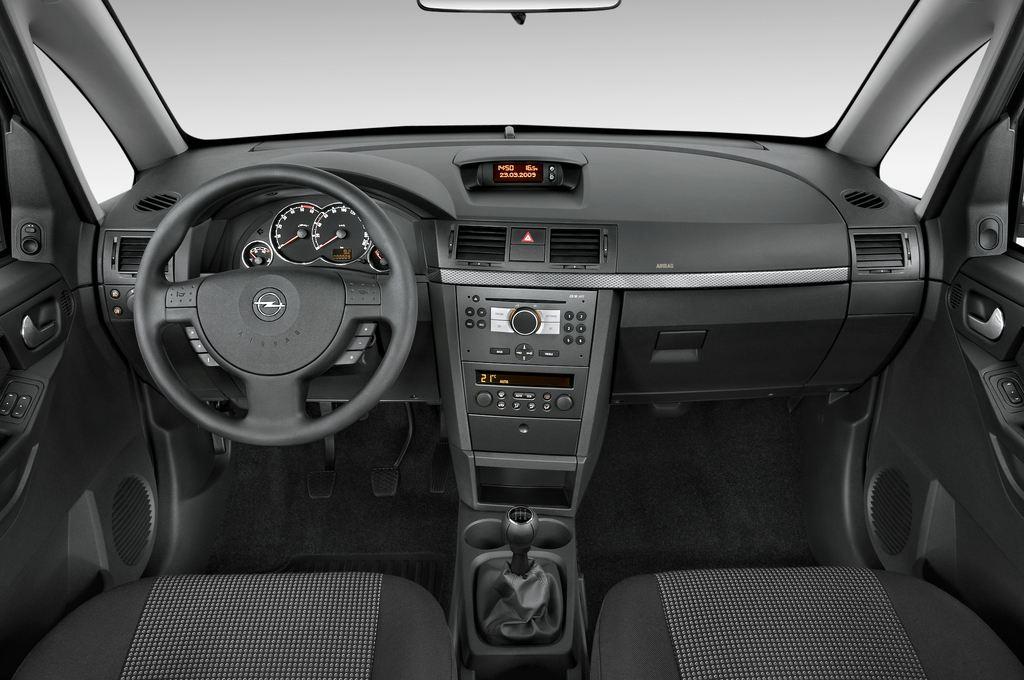 Opel Meriva Selection Van (2003 - 2010) 5 Türen Cockpit und Innenraum