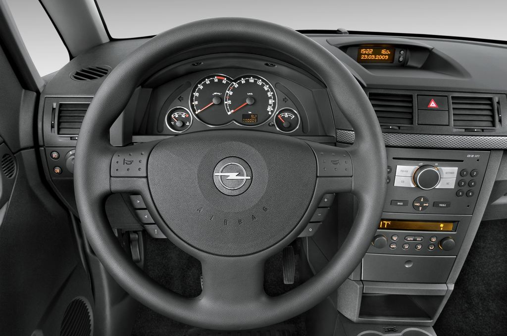 Opel Meriva Selection Van (2003 - 2010) 5 Türen Lenkrad