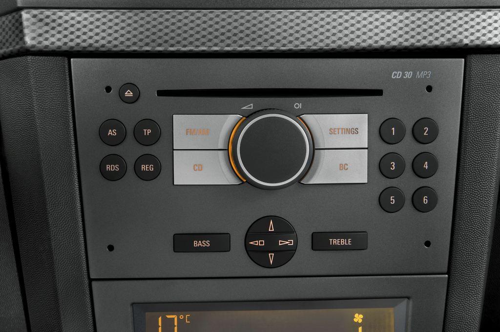 Opel Meriva Selection Van (2003 - 2010) 5 Türen Radio und Infotainmentsystem