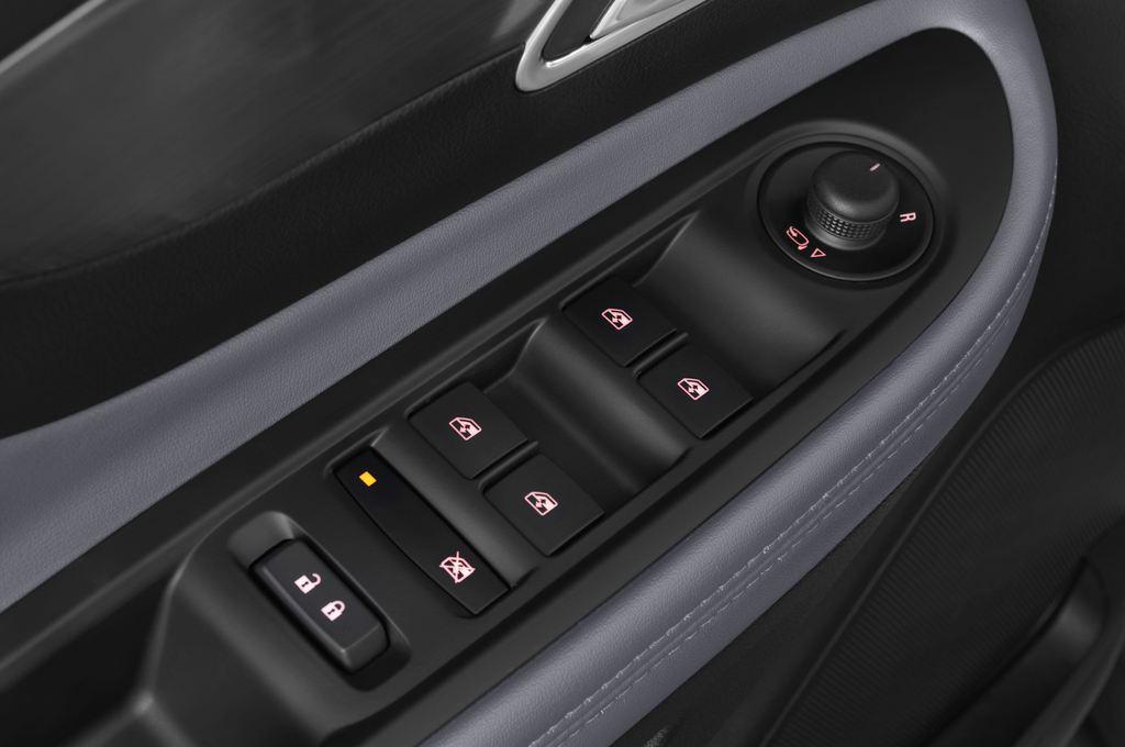 Opel Mokka Edition SUV (2012 - heute) 5 Türen Bedienungselemente Tür