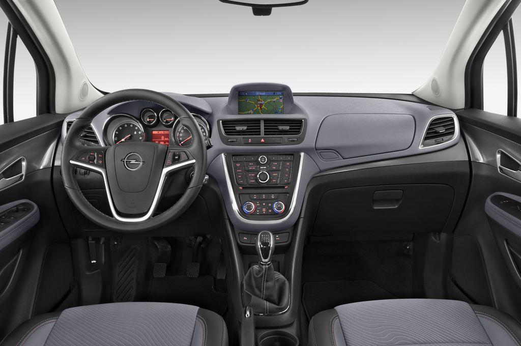 Opel Mokka Edition SUV (2012 - heute) 5 Türen Cockpit und Innenraum
