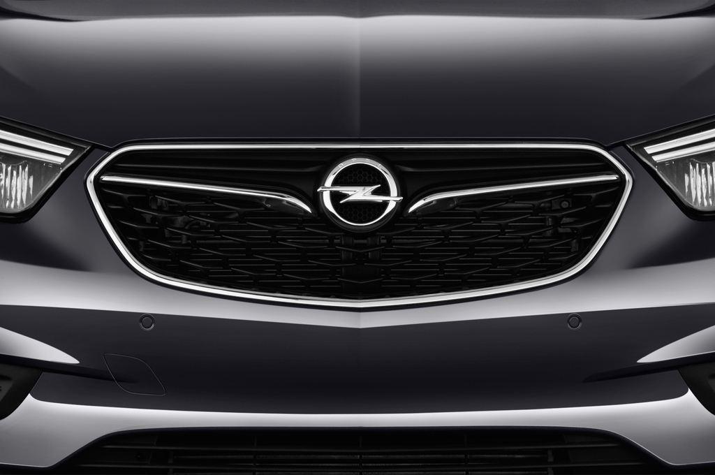 Opel Mokka Innovation SUV (2012 - heute) 5 Türen Kühlergrill und Scheinwerfer