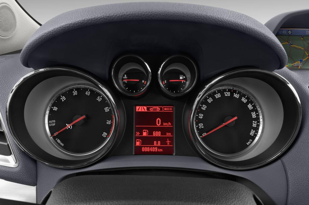 Opel Mokka Edition SUV (2012 - heute) 5 Türen Tacho und Fahrerinstrumente