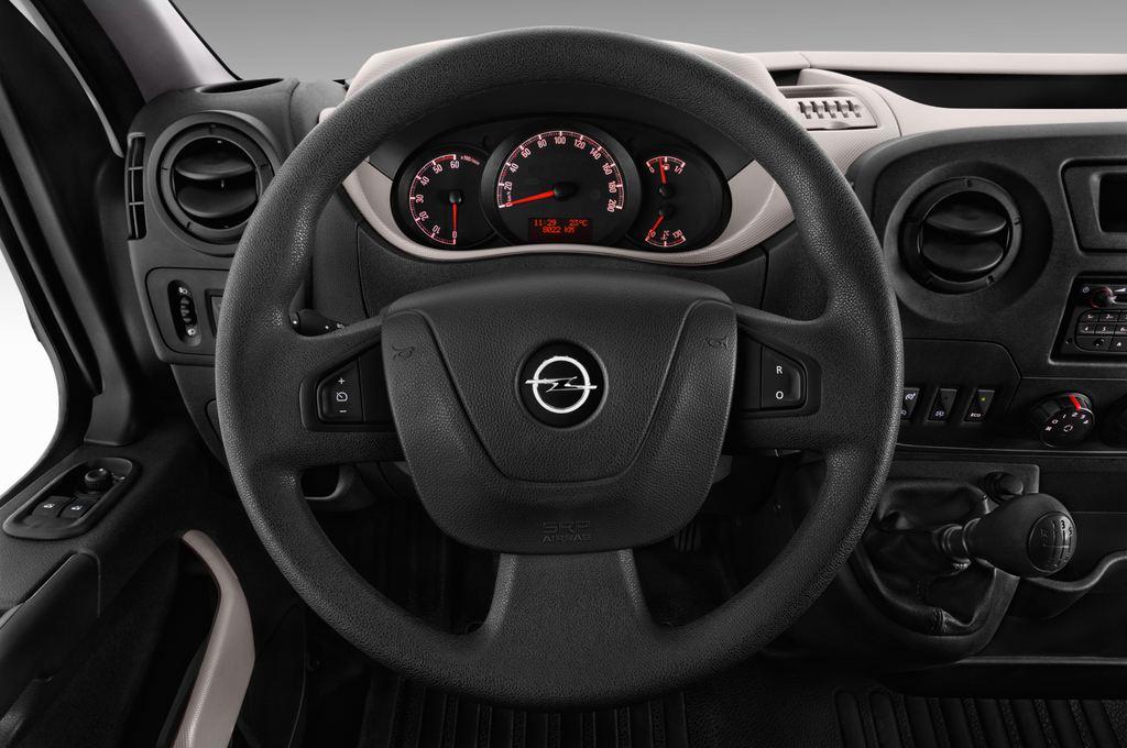 Opel Movano - Transporter (2010 - heute) 4 Türen Lenkrad