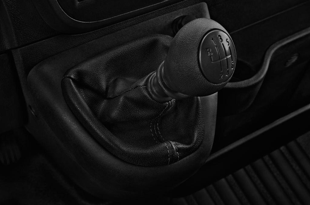 Opel Movano - Transporter (2010 - heute) 4 Türen Schalthebel