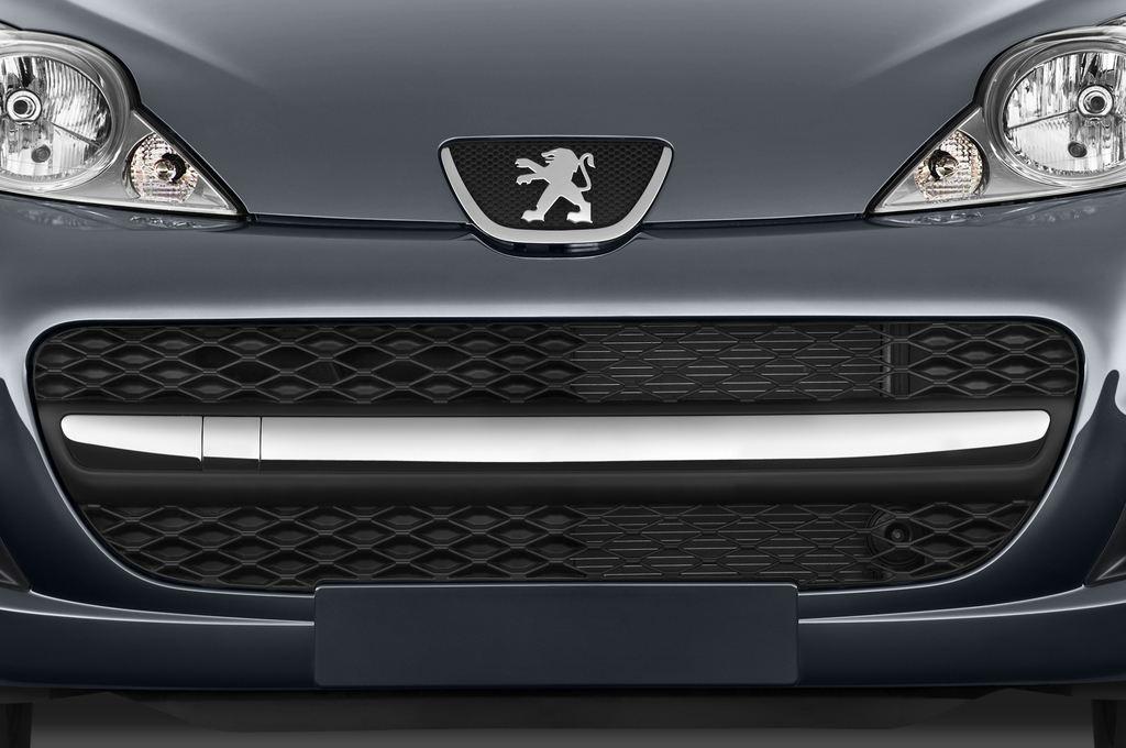 Peugeot 107 Filou Kleinwagen (2005 - 2014) 3 Türen Kühlergrill und Scheinwerfer
