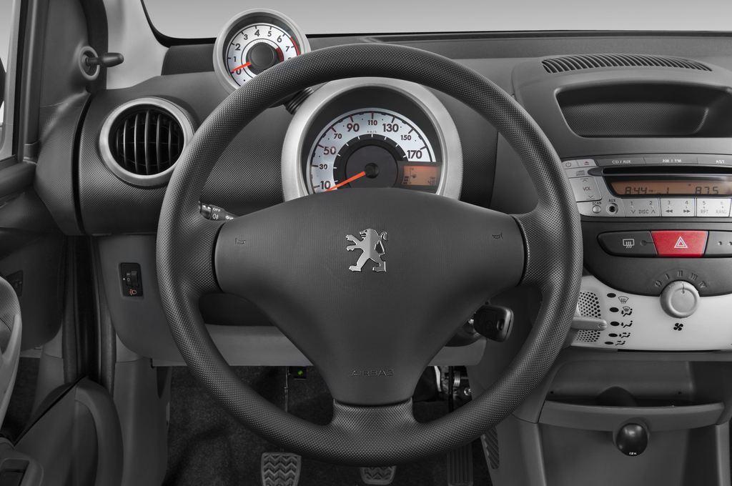 Peugeot 107 Filou Kleinwagen (2005 - 2014) 5 Türen Lenkrad